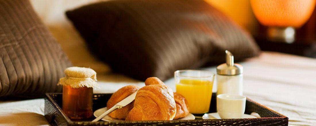 petit-dejeuner-lit