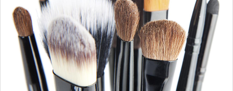 Jak dbać o kosmetyki i akcesoria kosmetyczne?