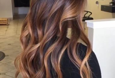 Naturalne sposoby na rozjaśnianie włosów