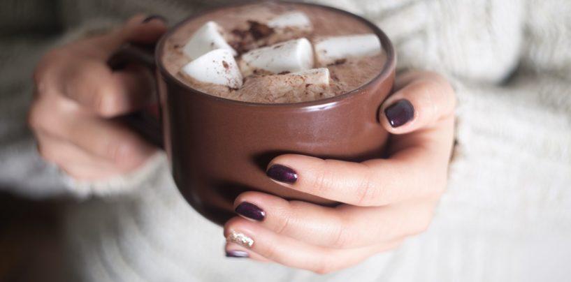 Pomysł na jesień: gorąca czekolada z winem